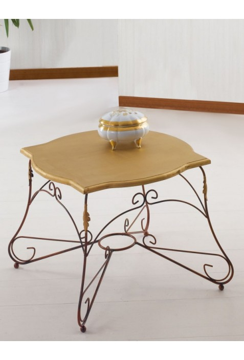 Tavolino quadrato in ferro battuto con piano in legno R.04003