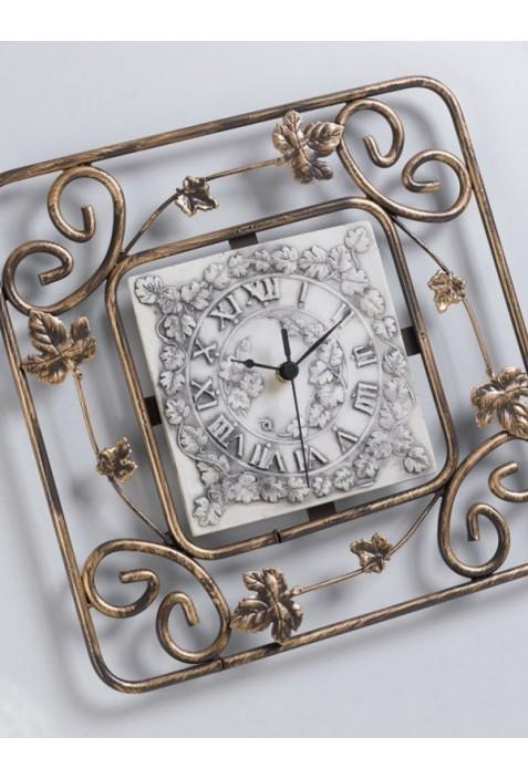 Orologio quadrato in ferro battuto con quadrante in for Ferro tubolare quadrato prezzo